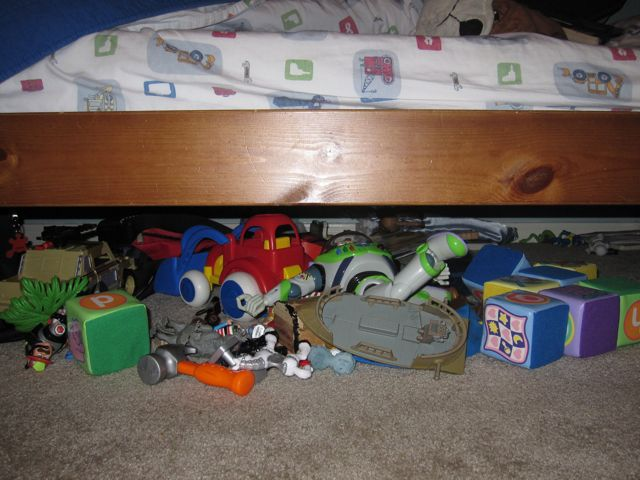 THE MESS UNDER THE BED